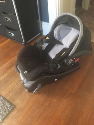 Photo Car seat just bought 6 months ago barely used payed $100 will sell for less than half