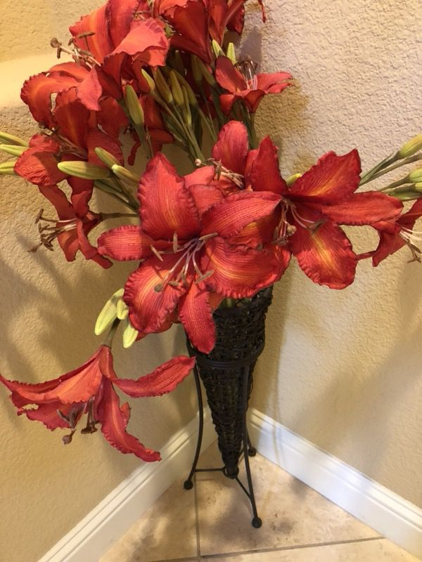 Pier 1 Tall Vase With Flowers For Sale In Manteca Ca Offerup