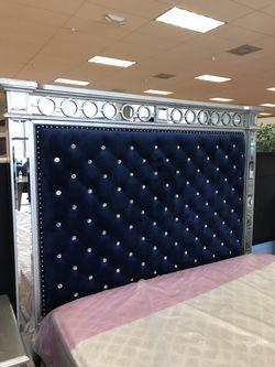 Beautiful Queen Bedroom Set 4 PCS Bed - Dresser - Mirror - Night for sale $2799 Thumbnail