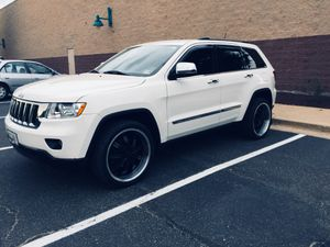 I'm selling my 2011 Jeep grad Cherokee fully loaded for Sale in Hyattsville, MD