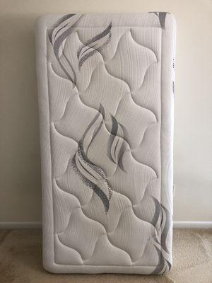 Zinus memory foam 12 inch / premium / cloud-like Mattress for Sale in Germantown, MD