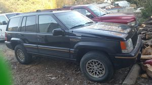 1995 jeep grand Cherokee v8 5.2l for Sale in Germantown, MD