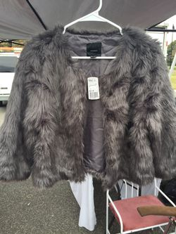 Forever 21 fur coat Thumbnail
