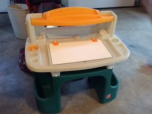 Toddler learning table /desk $15 for Sale in Apex, NC