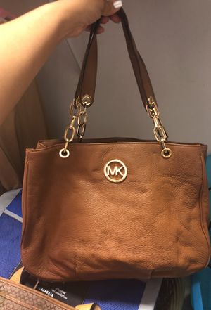 cd9a38e90c15 Large Michael Kors Brown Leather bag for Sale in Boca Raton