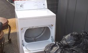 Kenmore dryer electric good condition for Sale in Silver Spring, MD