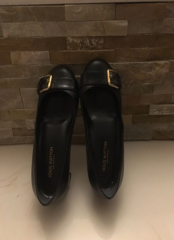 b917e33f6818 Louis Vuitton shoes (made in Italy) OBO for Sale in Las Vegas