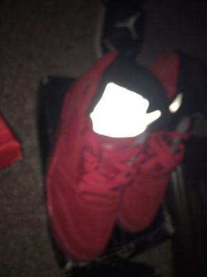 Photo Air Jordan 5 Retro 'Red Suede'