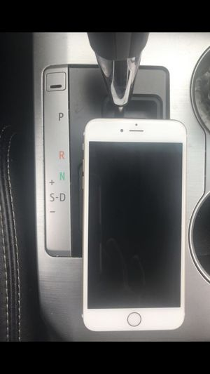 Unlocked IPhone 6s Plus 64 gigs for Sale in Herndon, VA