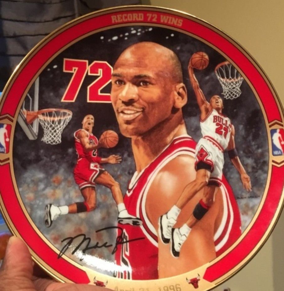 Michael Jordan Plate With Stand...Pre-Owned $25 Each