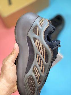 "Adidas Yeezy Coconut 700V3 ""Azael"" Thumbnail"