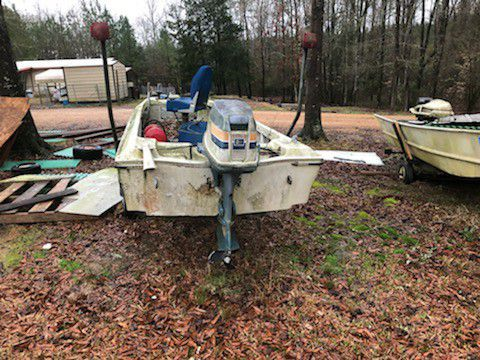 Photo Boat and motor for sale