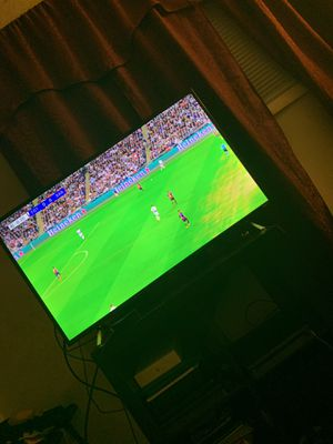 TCL ROKU TV 43 inch 4K for Sale in Hyattsville, MD