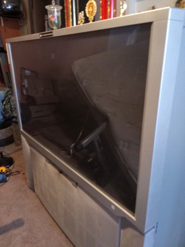 """Hitachi 51M200,Silver, 27"""" TV Monitor"""
