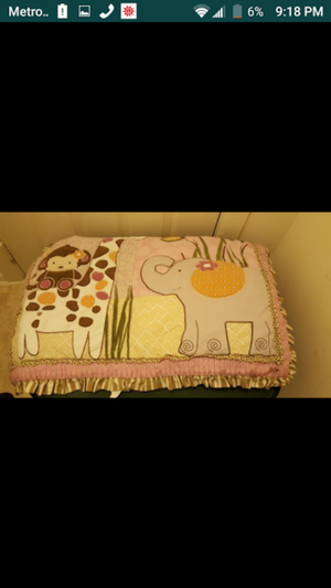 Babys crib set with free comforter for Sale in Silver Spring, MD