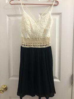 Lace dress (Small) Thumbnail