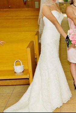 Mermaid lace wedding dress size 4-6 Thumbnail