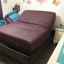 Massage &Adjustable Queen Bed $2,000/ obo Thumbnail