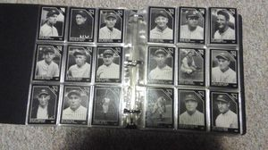 OLD BASEBALL CARDS. SOMEWHERE CLOSE TO 600 CARDS for Sale in OH, US