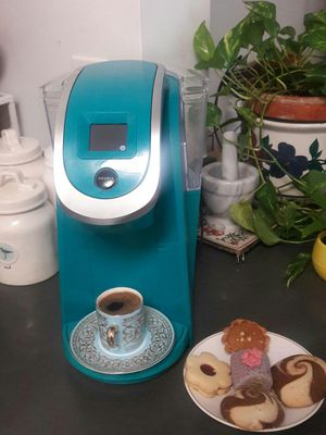 KEURIG 2.0 K 200 PLUS SERIES DIGITAL TOUCH SCREEN COFFEE MACHINE LIKE NEW EXCELLENT CONDITION COME WITH SOME CAPSULES for Sale in Alexandria, VA