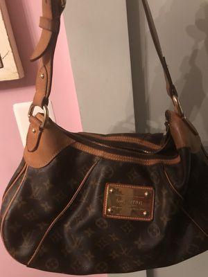 Louis Vuitton hobo bag for Sale in Vienna, VA