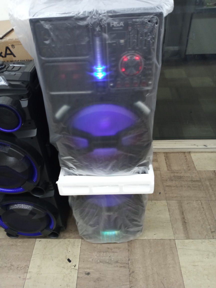Brand New Double 15s 20000 Watt Speaker Has Bluetooth Fm Am Great Sound Base Very Very Loud And Only For 320 Brand New Speaker In The Box