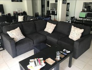 Sectional Sofa - LIKE NEW for Sale in Miami, FL