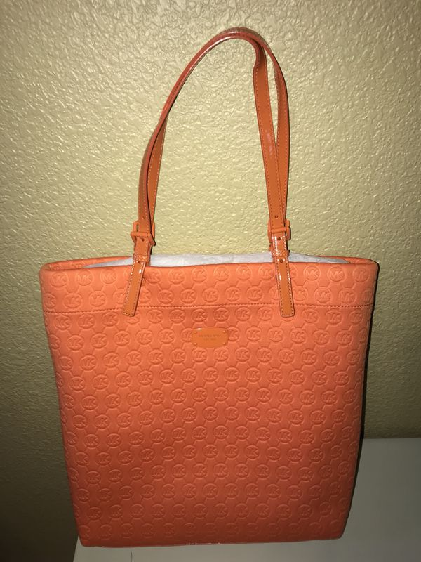 6cfc2862b9ad BRAND NEW Michael Kors Tote Bag for Sale in Round Rock, TX ...