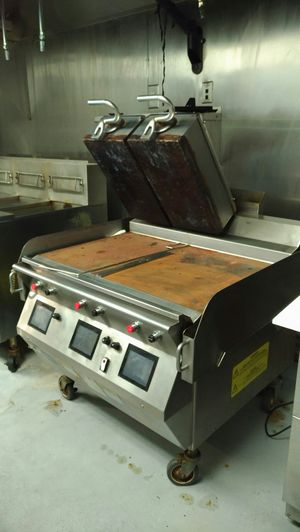 Taylor L813 Gas lower cook surface/ electric upper platens two-sided grill for Sale in Alexandria, VA