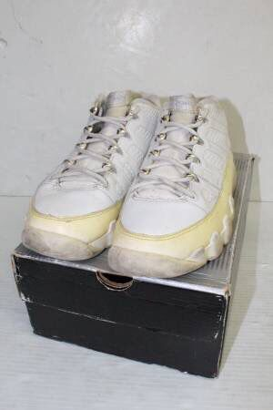 quality design fca90 a85c6 Nike Air Jordan IX 9 Retro Low White Chrome Silver 2002 Size 7.5