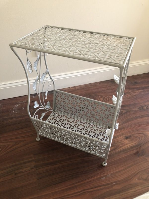 Urban Outfitters Metal Vinyl Record Player Stand Furniture In Providence Ri Offerup