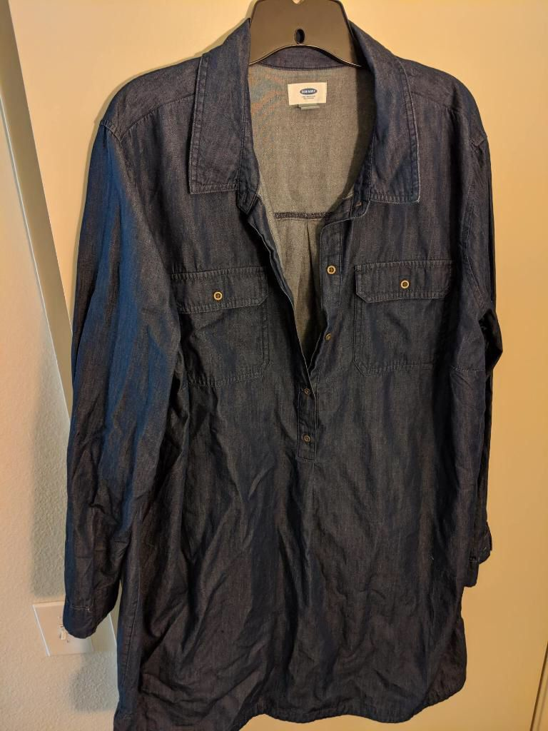 Plus size : Old Navy and Melissa Mcarthy swipe to view 2nd item