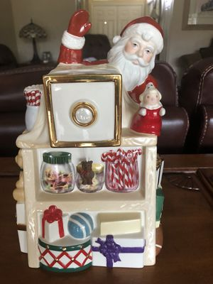 2001 Lenox Santa Holiday Village Musical Candy/Cookie Box for Sale in Winter Springs, FL