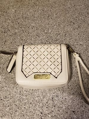 Photo Jessica Simpson White and Gold Wallet