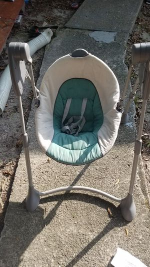 Reduced Graco Swing By Me baby swing for Sale in Hampton, VA