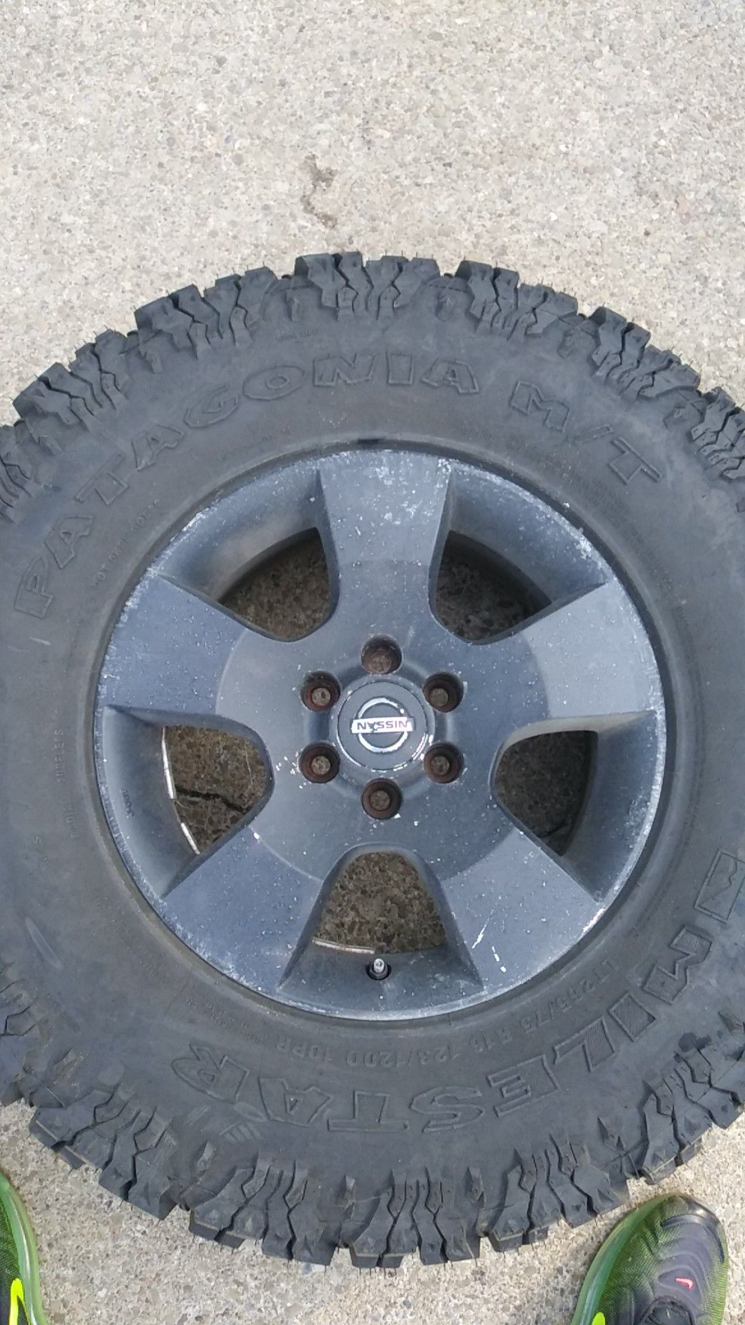 2 tires and rims