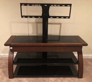TV stand w/ shelves and drawer for Sale in Clinton, MD