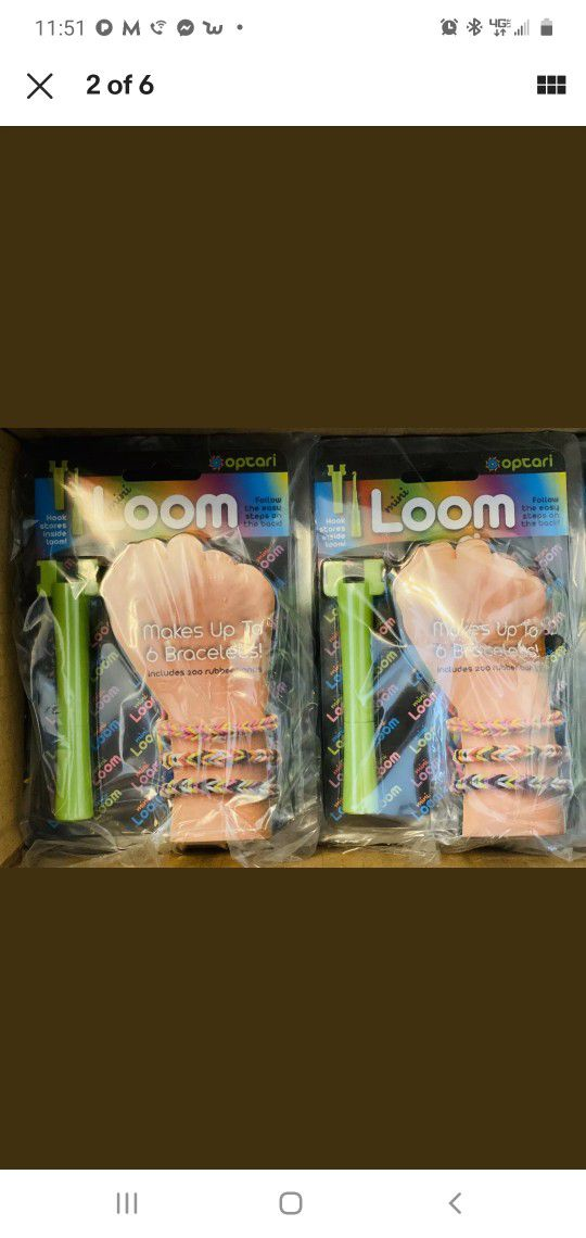 Makes up to 6 bracelets Includes 200 rubber bands Assorted colors A great starter kit The Optari Mini Loom gives kids everything they need to make