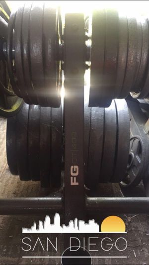 Photo DISCOUNTED• WEIGHTS • DUMBBELLS • BARS • SQUAT RACKS • AND MORE GYM EQUIPMENT FOR SALE