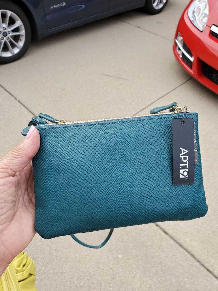 New crossbody bag w tags