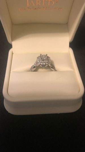 Vera Wang Diamond Engagement Ring for Sale in Silver Spring, MD