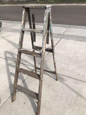Photo Vintage antique 4 foot folding A-frame painter wood step ladder