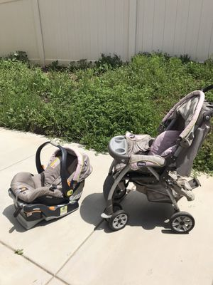 Photo Chicco stroller and car seat