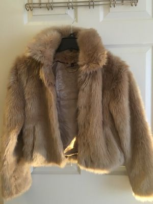 Express fur coat xsmall for Sale in Bethesda, MD