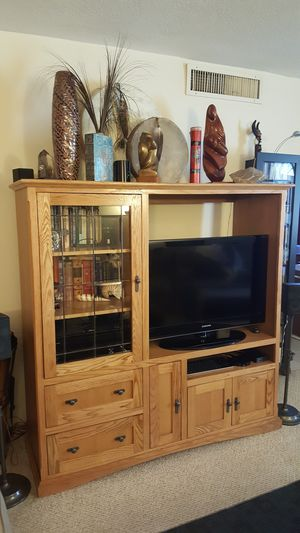 Used, Mission Oak Entertainment Center & Coffee Table: 62' H, 62' W, 20' D. Fits 42' TV. $400. 16' H, 48' W, 24' D. $150. for sale  US