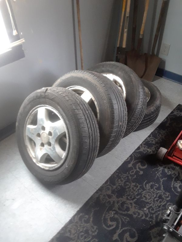 Used Tires Akron Ohio >> Rims And Tires Off Of A 2000 Honda Accord 5 Lug V6 100 In Akron