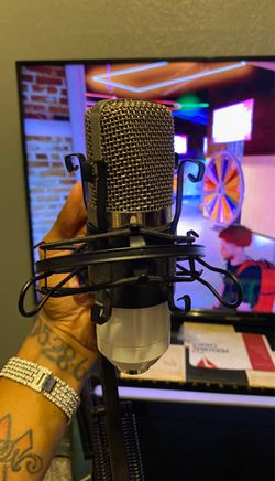 Recording/Podcast Microphone Thumbnail