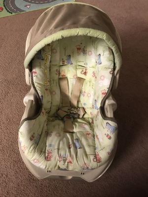 New baby infant car seat and swing for Sale in Cockeysville, MD
