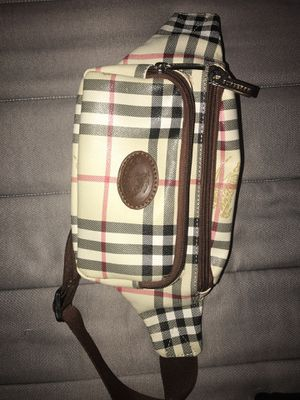 Authentic Burberry Arm Bag for Sale in Orlando, FL