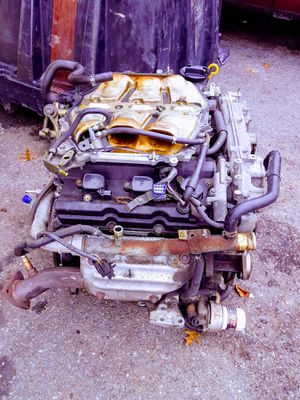 Motor infiniti fx35 110 mil millas for parts for Sale in Reading, PA